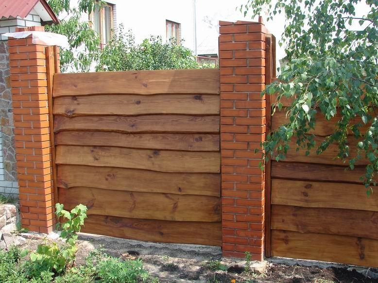 Забор из необрезной доски своими руками: фото
