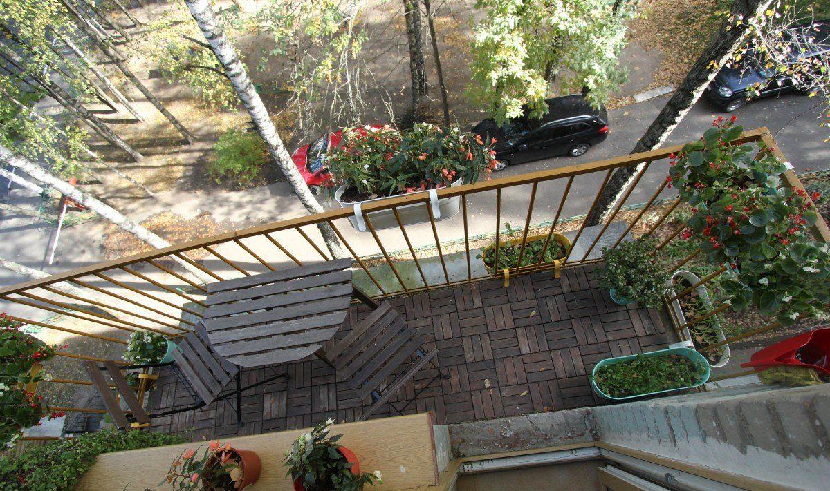 Маленький балкон в хрущевке