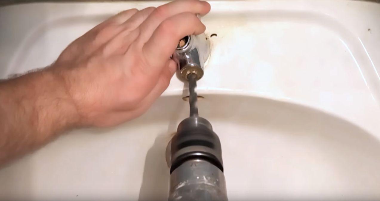 Высверливание кран буксы, которая прикипела