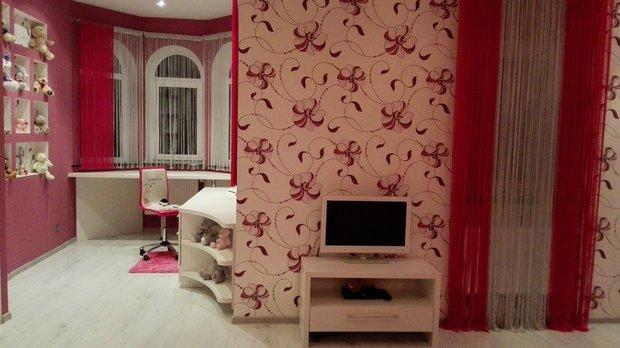 Детская комната для девочки начальных классов