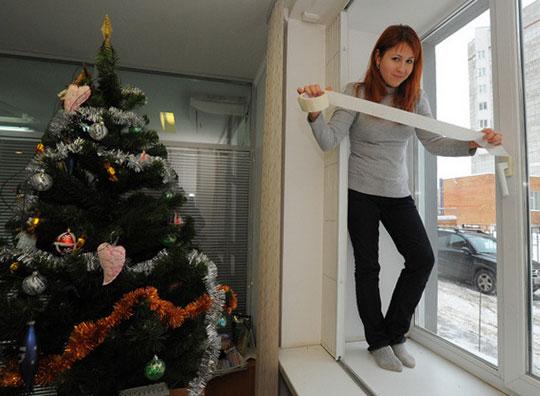 Как утеплить окна на зиму своими руками