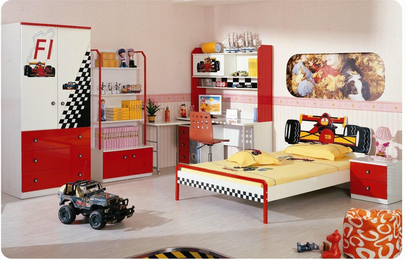 яркая детская спальня для мальчика