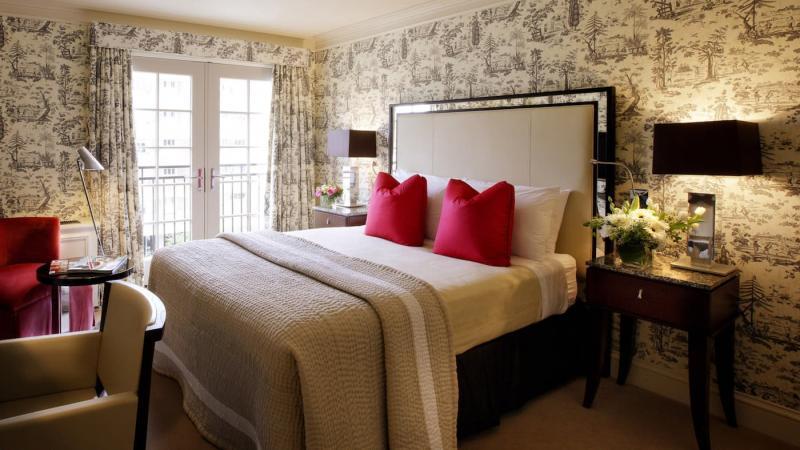 Текстильные обои в спальне 3