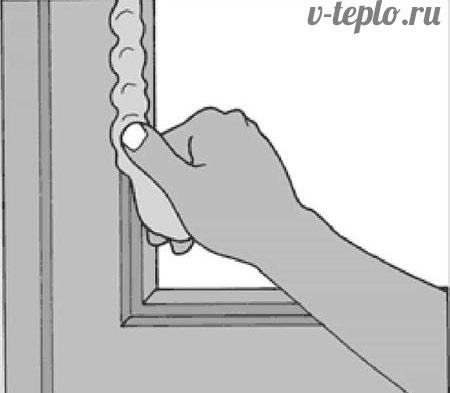Как правильно наносить оконную замазку