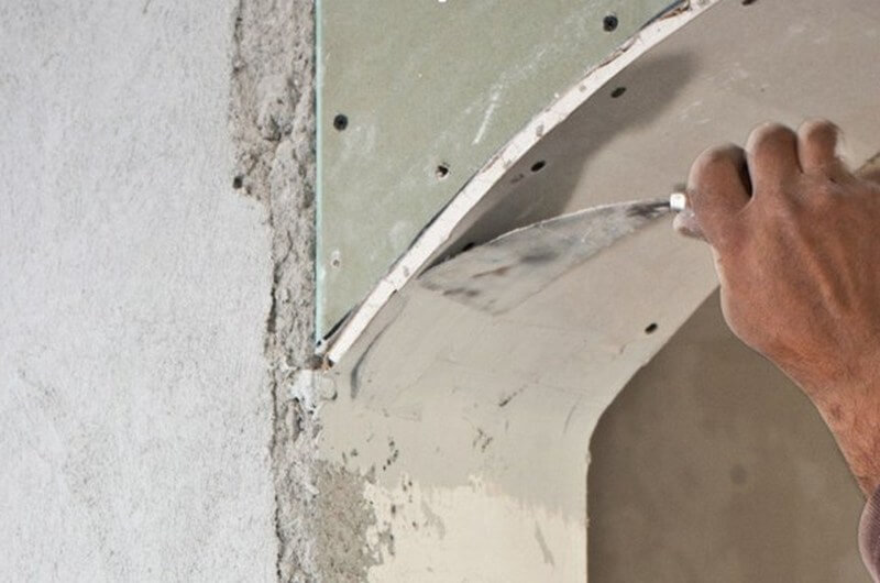 Как правильно наносить шпаклевку