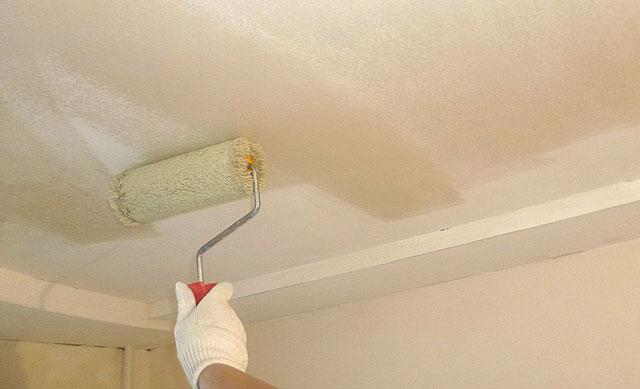 чем побелить потолок в квартире