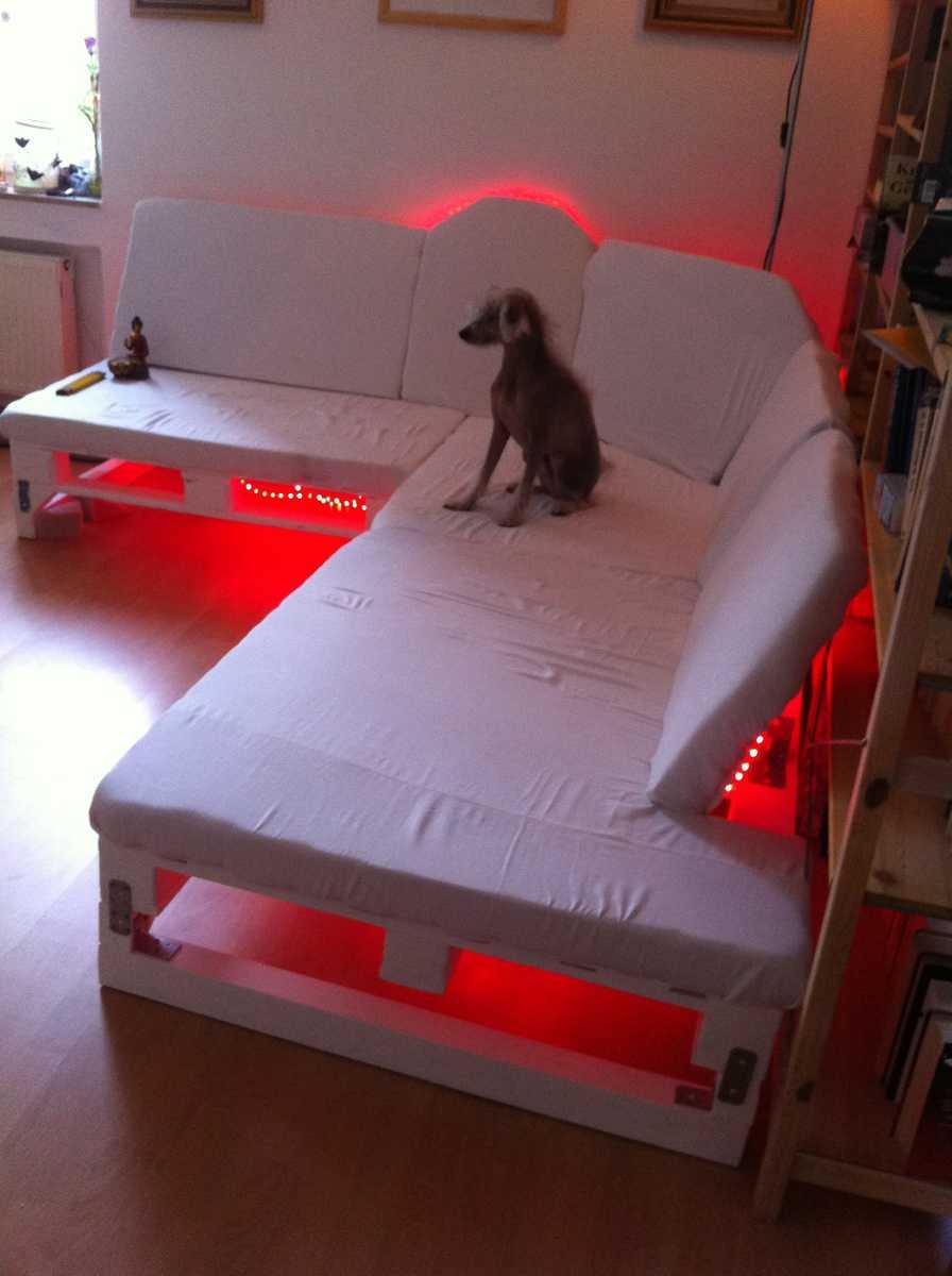 pallet-sofa-upholstering-finished-09