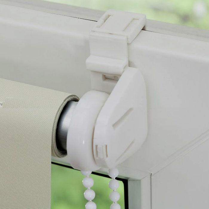 Тип крепления без сверления следует выбирать, исходя из размера и веса штор
