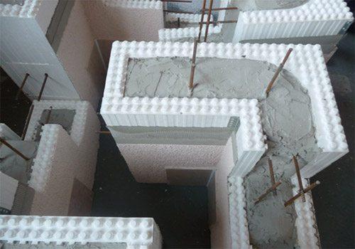 Заполнение полости бетонной массой