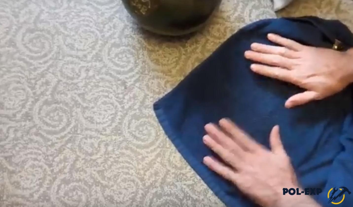 Укладывается махровое полотенце