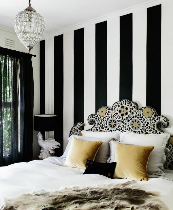 дизайн спальни с обоями двух цветов фото 49