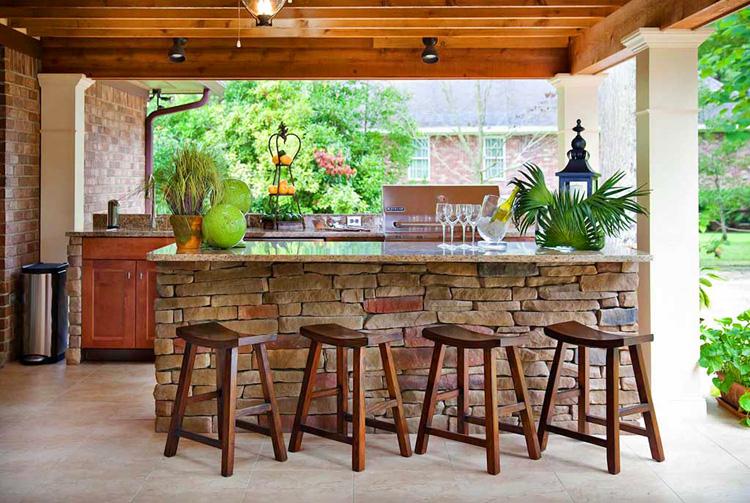 С недавних пор барная стойка в квартире стала практически привычным элементом дизайна