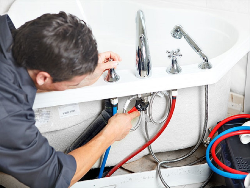 Основные этапы установки смесителя для ванной