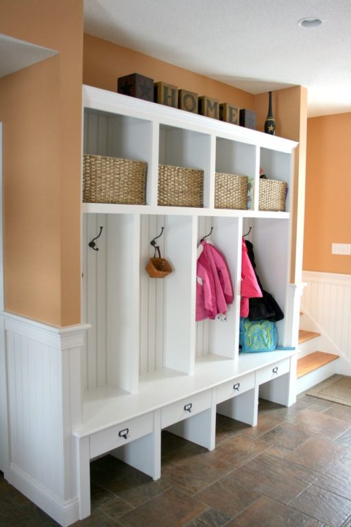 Шкаф с обувницей и открытыми секциями