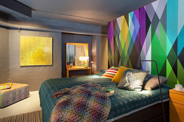 дизайн спальни с обоями двух цветов фото 13
