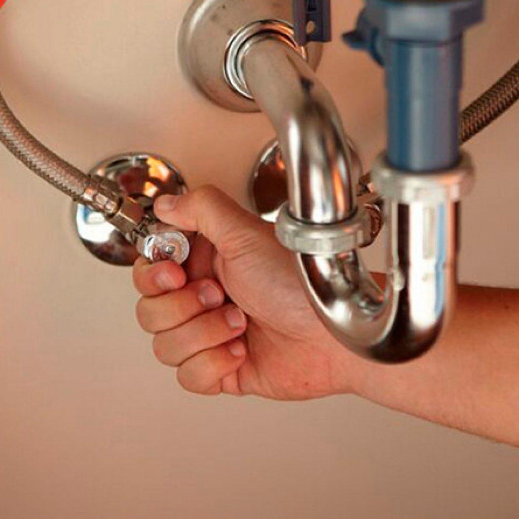 Этапы монтажа смесителя для ванной