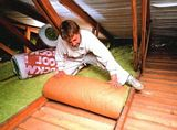 Чем и как утеплить крышу дома изнутри своими руками