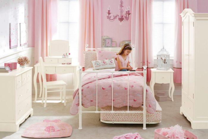 Дизайн детской для девочки в классическом стиле