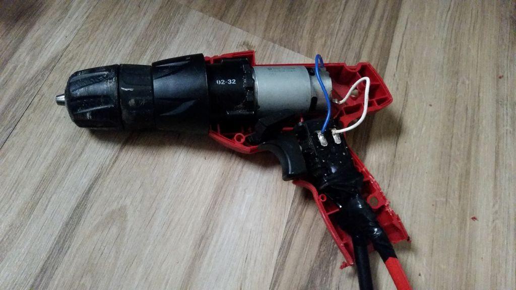 Провода подключены к шуруповёрту