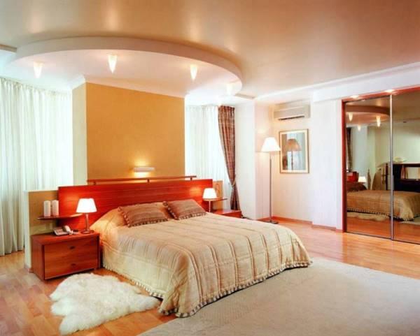 дизайн спальни с обоями двух цветов фото 40