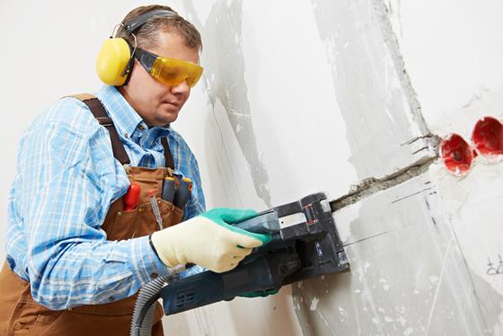 Штроборез, или как проштробить стену под проводку без пыли