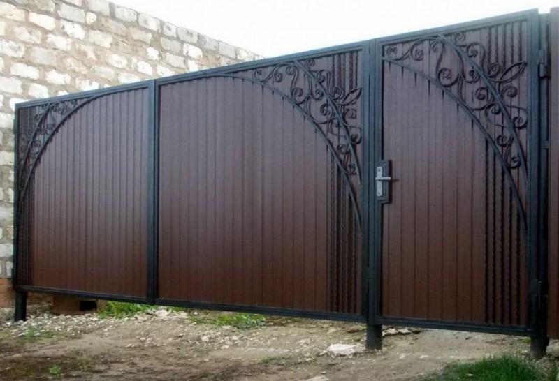 Ворота из профнастила — как сделать своими руками красивые ворота (95 фото)
