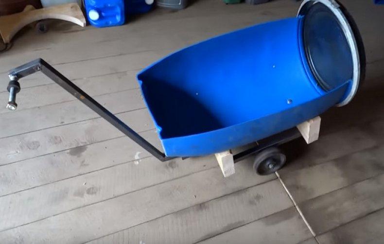 Тачка из пластиковой бочки
