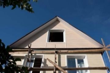 Как сделать фронтон двухскатной крыши своими руками: устройство, материалы, монтаж, фото и видео