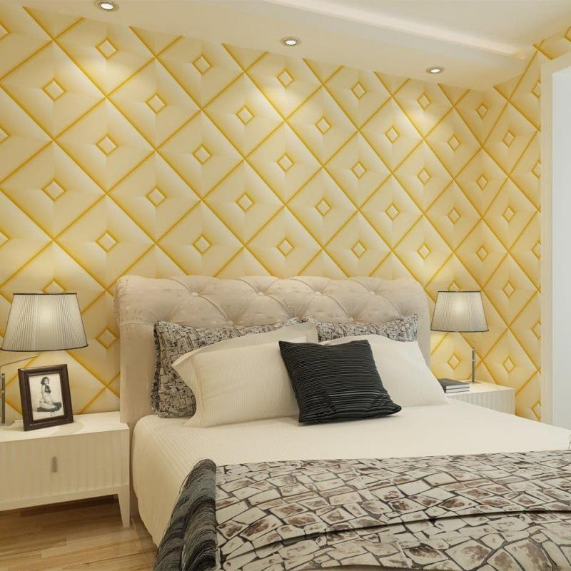 Желтые обои в интерьере спальни 2