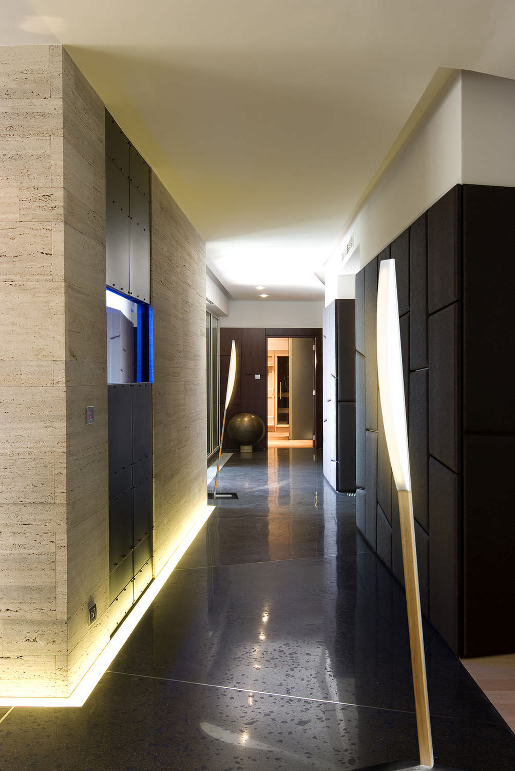modern-hallway-lighting-ideas-modern-hallways-ideas-3d3bcb878a9df10f