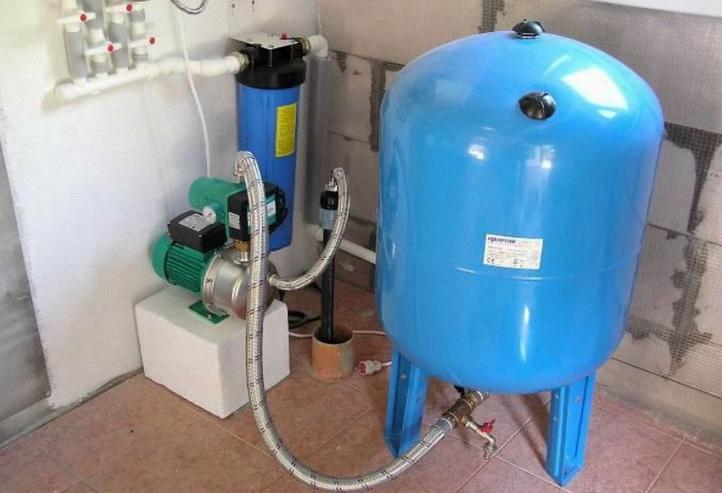 как снабжать дом водой - из скважины
