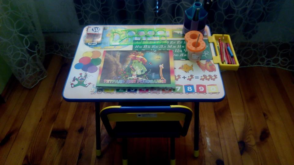 Детский столик и стульчик для творчества