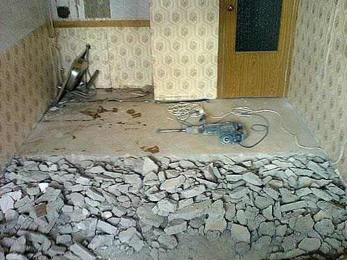 Демонтаж напольной стяжки