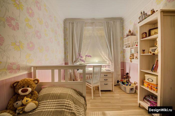 Пастельный желтый и розовый в комнате девочки