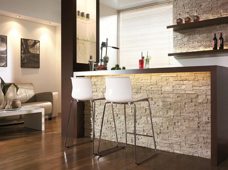 Барная стойка с облицовкой гипсовыми панелями под декоративный камень – смотрится не хуже натурального