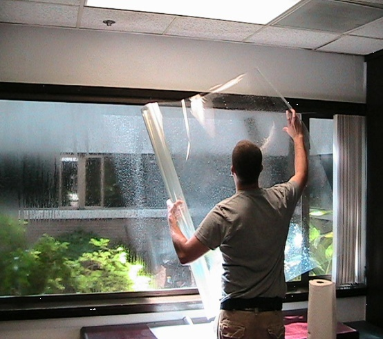 Теплосберегающая пленка для окон – современный способ снижения теплопотерь в доме