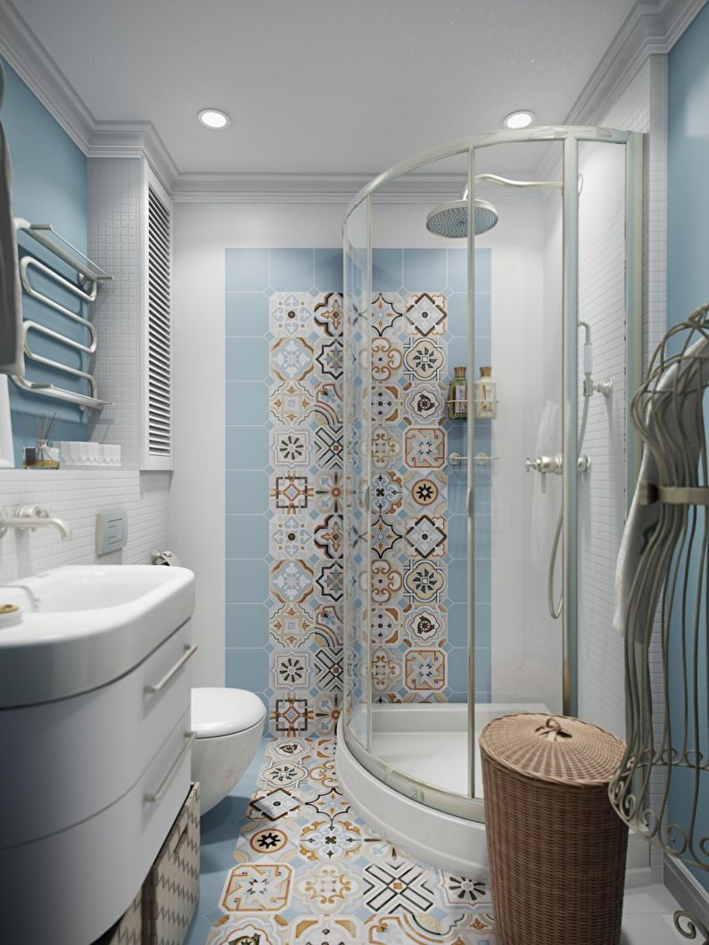 Маленькая ванная комната с душевой кабиной
