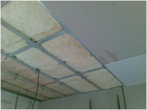 Как правильно зашпаклевать потолок из гипсокартона
