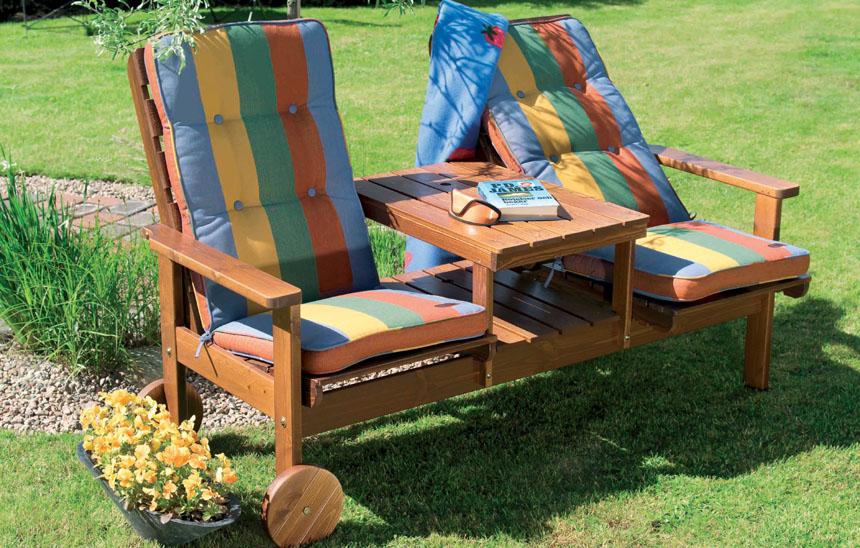 Оформление деревянной мебели для сада своими руками