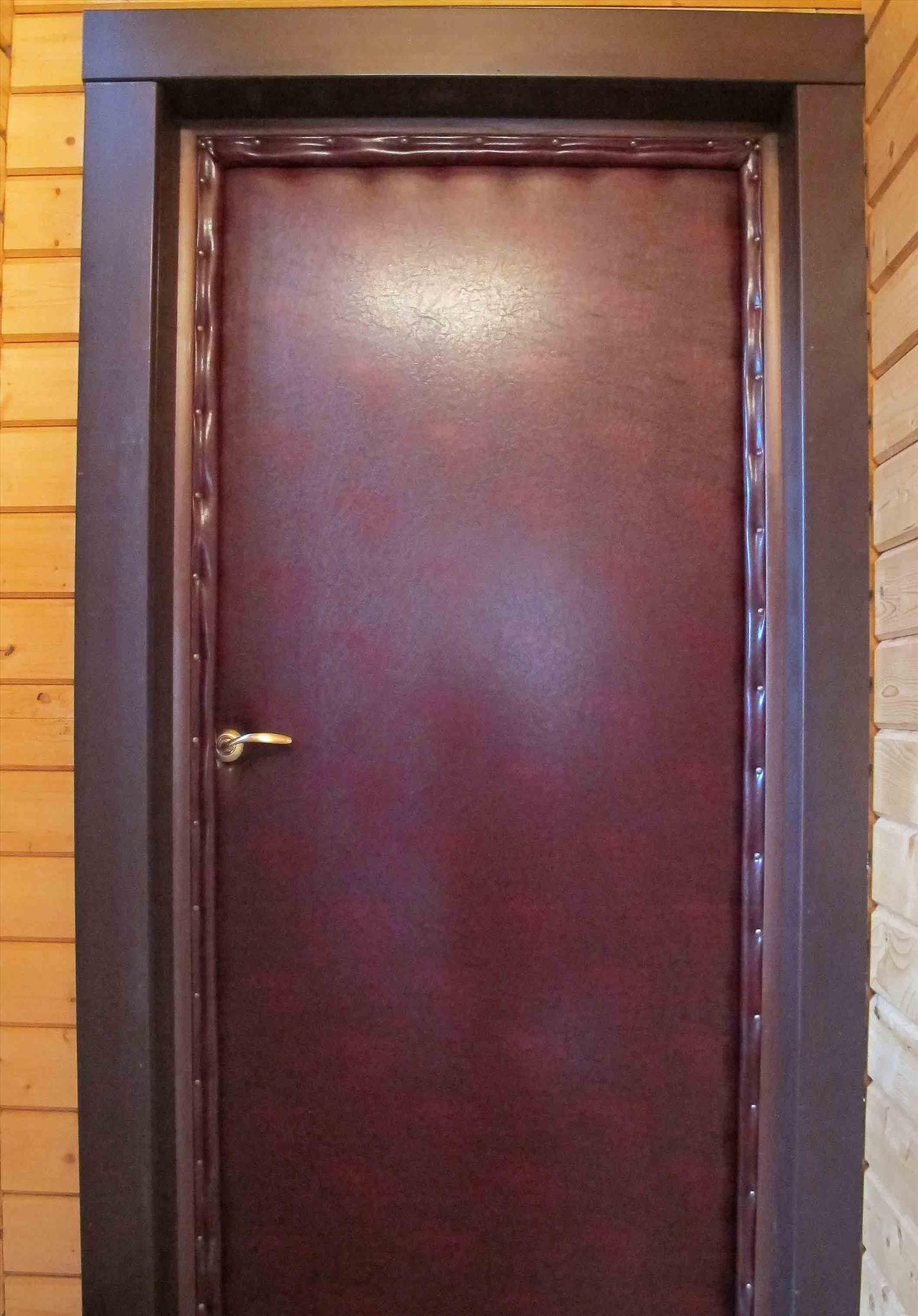 Утепление деревянной двери в частном доме: используемые материалы и порядок работ