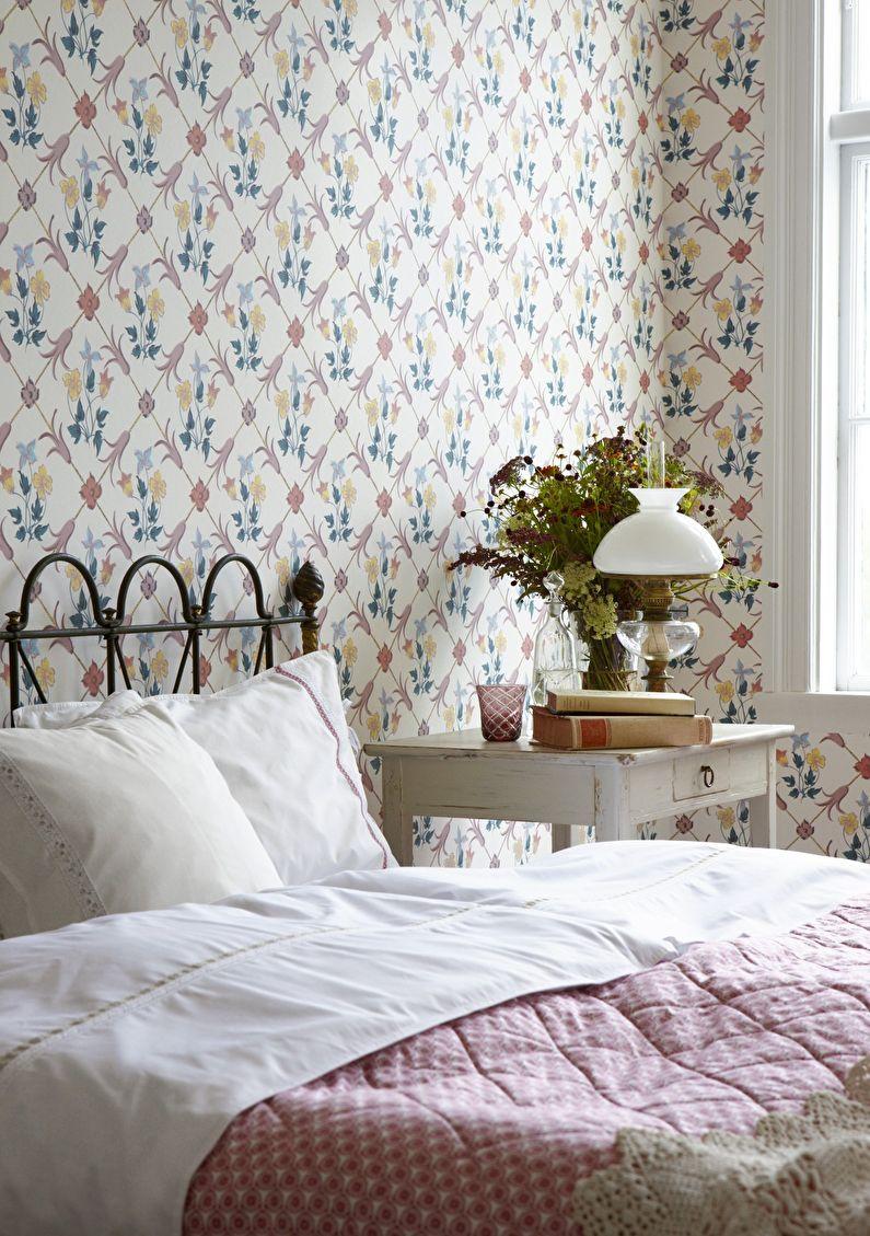 Обои с растительным орнаментом для спальни
