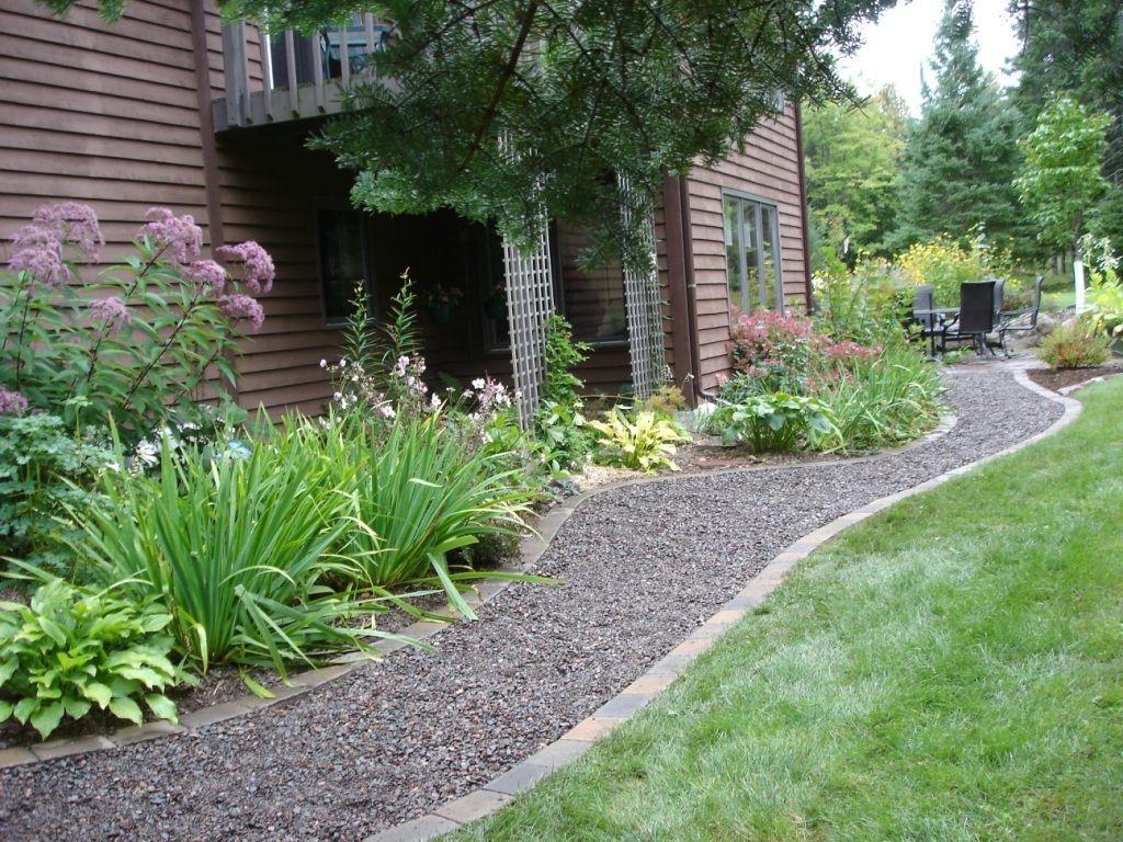 Как сделать на даче красивую и удобную садовую дорожку из гравия своими руками