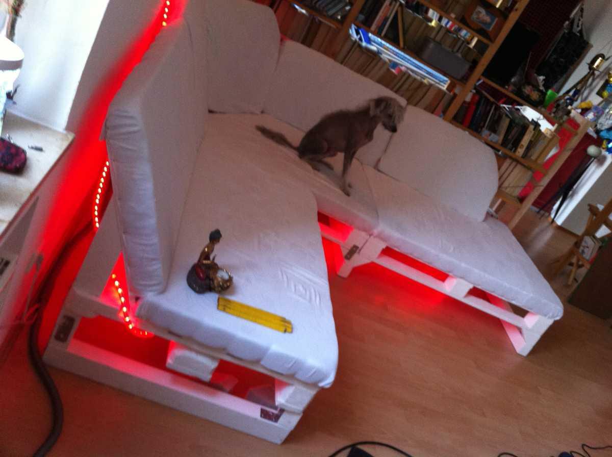 sofa-upholstering-finished-illuminated-08