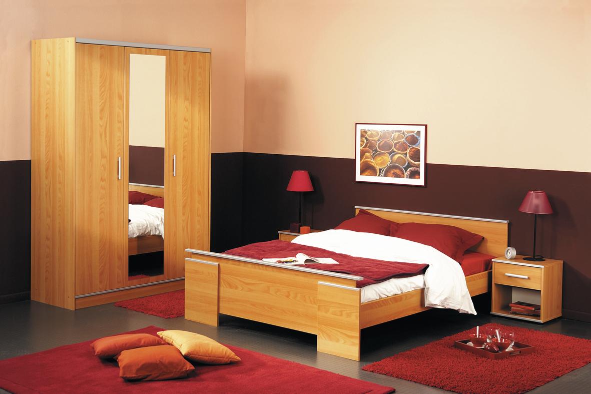 Красные акценты в оформлении спальни