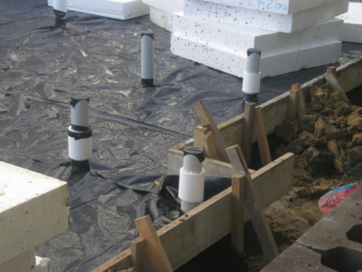 Как построить прочный фундамент своими руками: советы и инструкции от профессионалов (81 фото + видео)