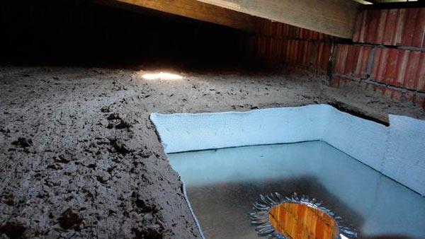 утепление перекрытия чердака опилками с глиной
