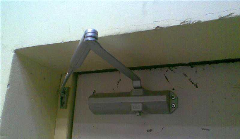 Установка доводчика на калитку без верхней перекладины