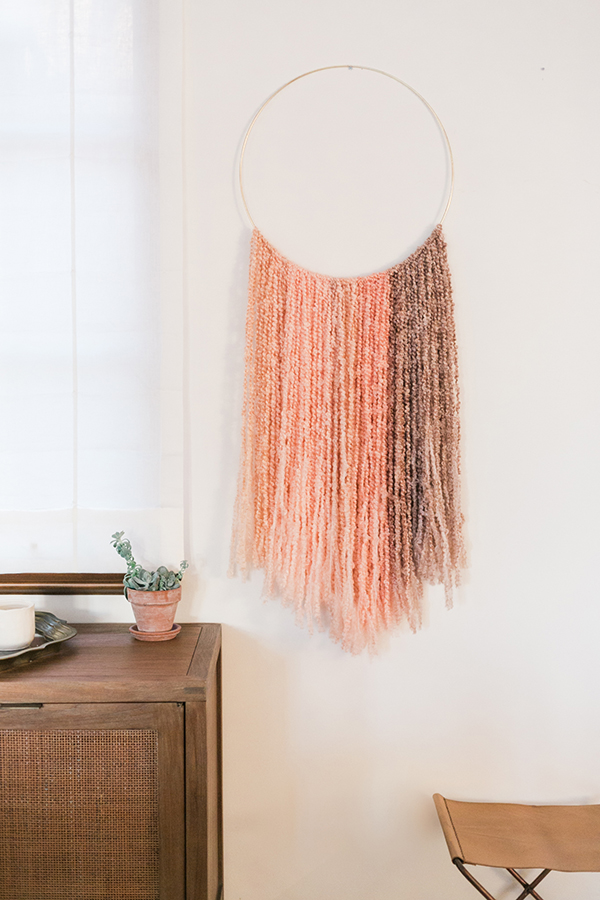 декор для стены нитки