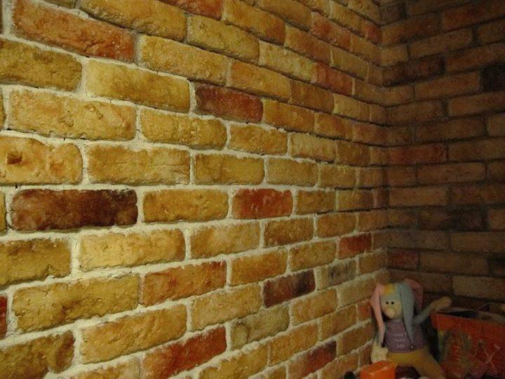 Как сделать имитацию кирпичной стены своими руками