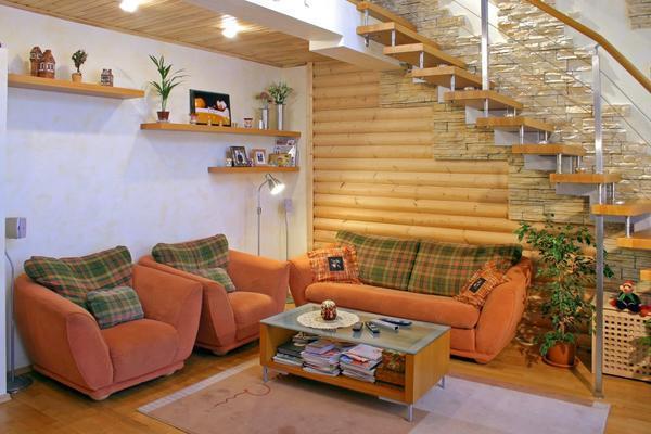 Потолок в деревянном доме как выгодное преимущество
